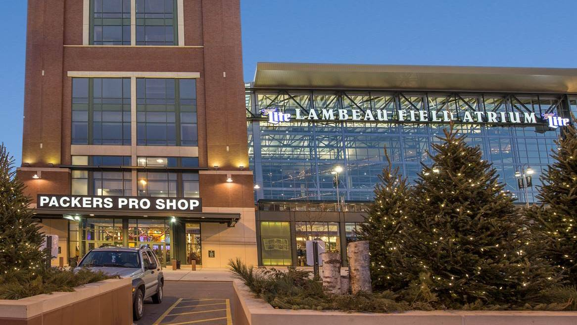 Football season in Green Bay is everyone's favorite season. Whether you're coming to Green Bay for a game at Lambeau Field or not, there's plenty of things to do and see to experience the Packers.